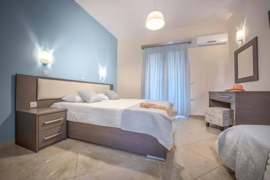 3 Bed Studio (1King Bed + 1 Single bed)